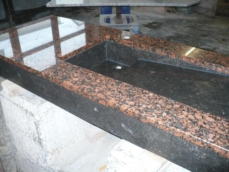 waschtisch aus baltic rot und belgisch granit k chlin. Black Bedroom Furniture Sets. Home Design Ideas