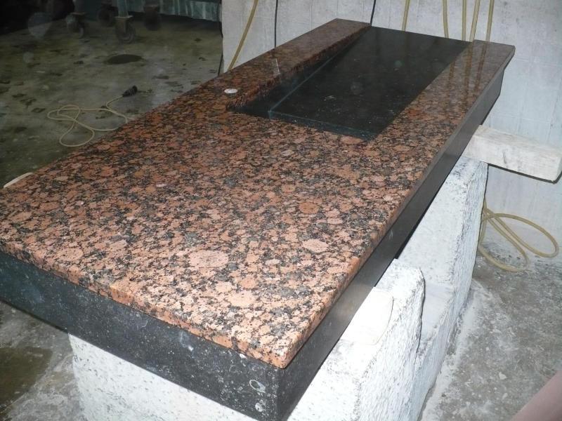 waschtisch aus baltic rot und belgisch granit k chlin ihr steinmetz in karlsruhe. Black Bedroom Furniture Sets. Home Design Ideas