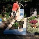 Endmontage vom Windspiel auf dem Friedhof  Mühlburg